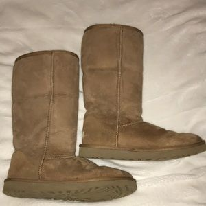 UGG tall chestnut color size 10
